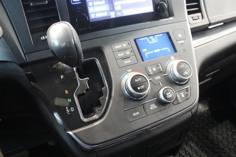 2015 Toyota Sienna SE 8-Pass V6 6A in Regina, Saskatchewan - 4 - w1024h768px