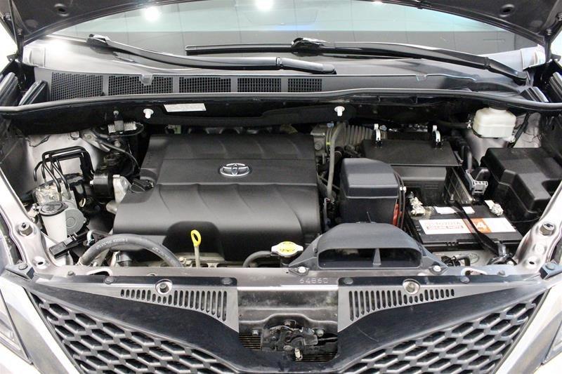 2015 Toyota Sienna SE 8-Pass V6 6A in Regina, Saskatchewan - 19 - w1024h768px