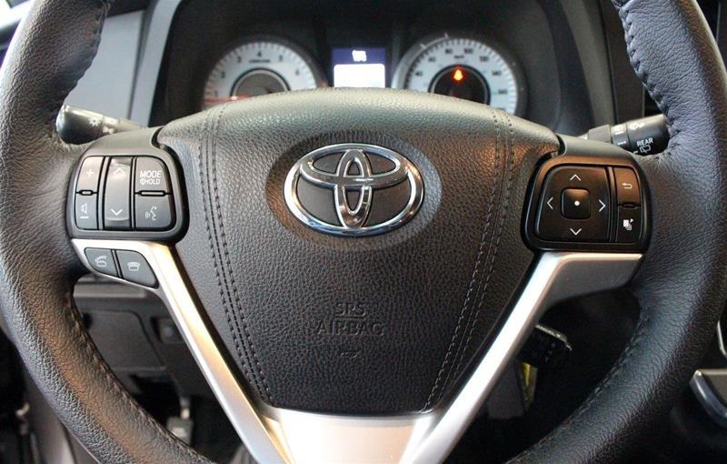 2015 Toyota Sienna SE 8-Pass V6 6A in Regina, Saskatchewan - 6 - w1024h768px