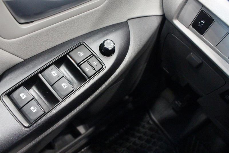 2019 Toyota Sienna LE 8-Passenger V6 in Regina, Saskatchewan - 3 - w1024h768px