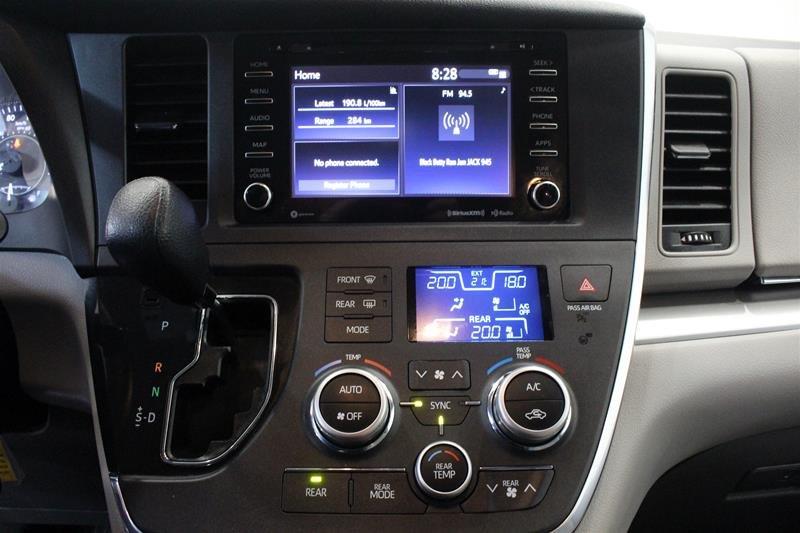 2019 Toyota Sienna LE 8-Passenger V6 in Regina, Saskatchewan - 7 - w1024h768px