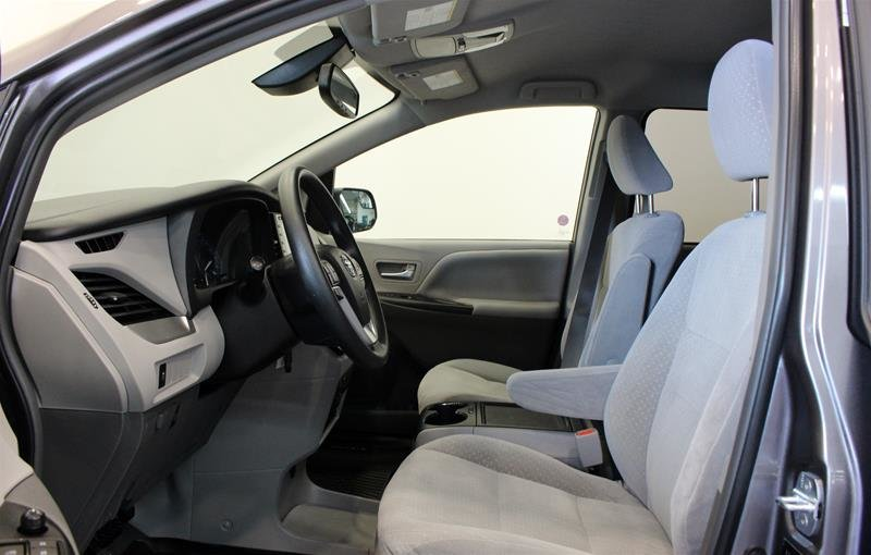2019 Toyota Sienna LE 8-Passenger V6 in Regina, Saskatchewan - 10 - w1024h768px