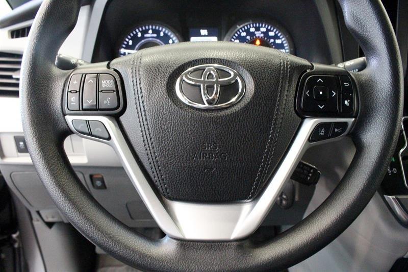 2019 Toyota Sienna LE 8-Passenger V6 in Regina, Saskatchewan - 6 - w1024h768px