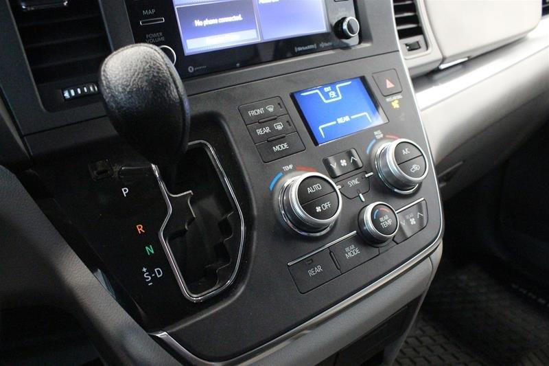 2019 Toyota Sienna LE 8-Passenger V6 in Regina, Saskatchewan - 4 - w1024h768px
