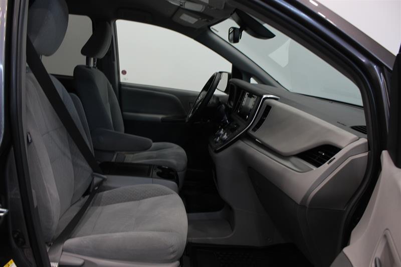 2019 Toyota Sienna LE 8-Passenger V6 in Regina, Saskatchewan - 15 - w1024h768px
