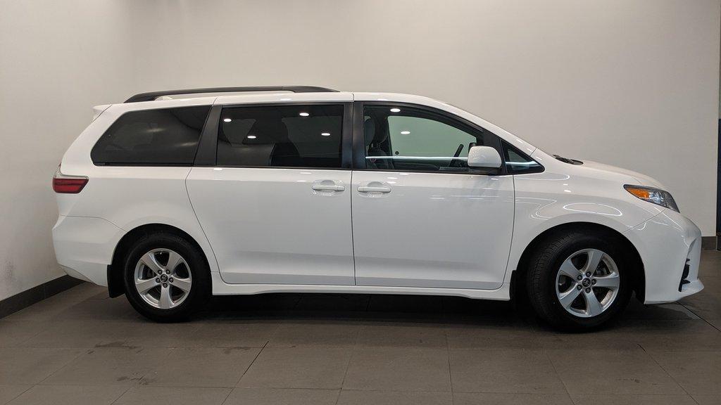 2019 Toyota Sienna LE 8-Passenger V6 in Regina, Saskatchewan - 23 - w1024h768px