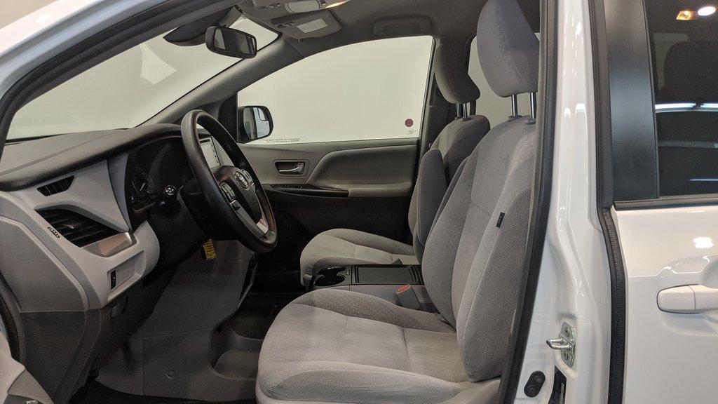 2019 Toyota Sienna LE 8-Passenger V6 in Regina, Saskatchewan - 11 - w1024h768px