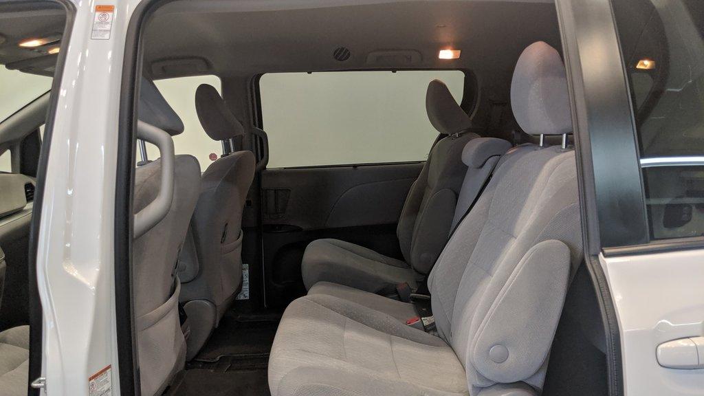 2019 Toyota Sienna LE 8-Passenger V6 in Regina, Saskatchewan - 13 - w1024h768px
