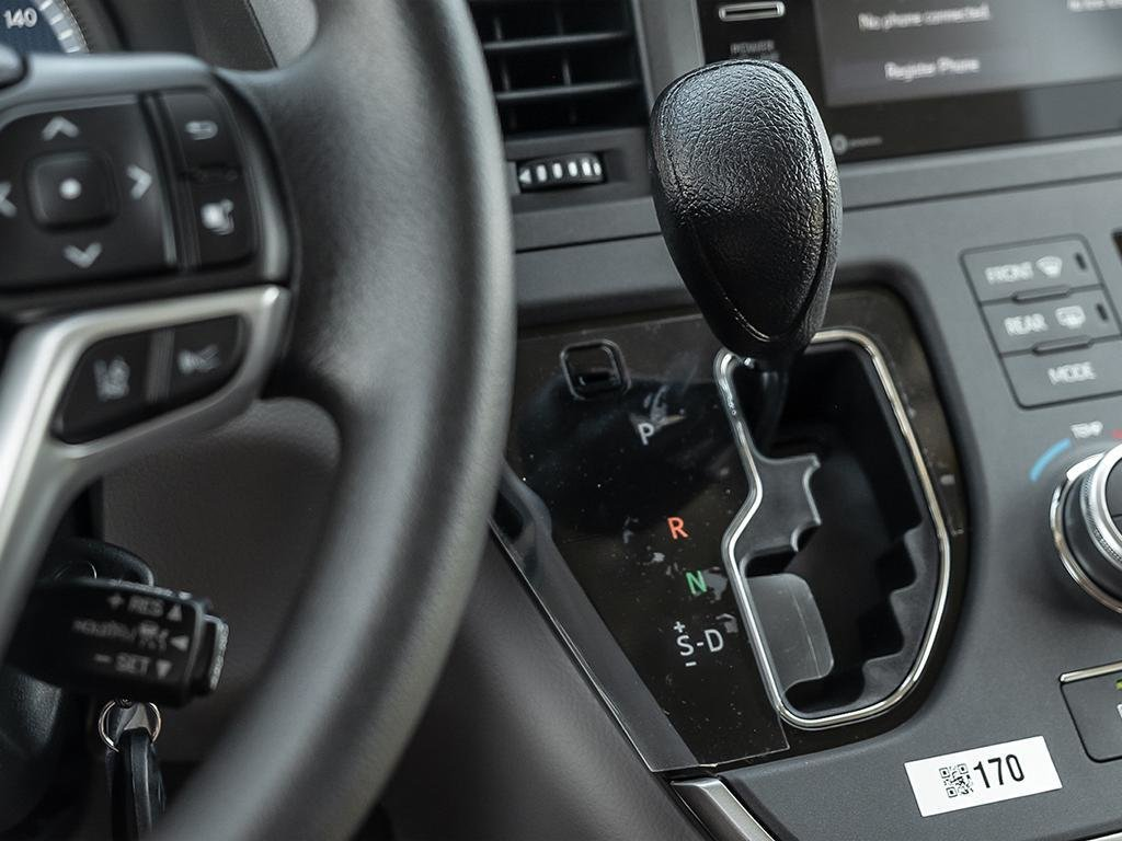 Toyota Sienna LE 8-Passenger V6 2020 à Verdun, Québec - 17 - w1024h768px