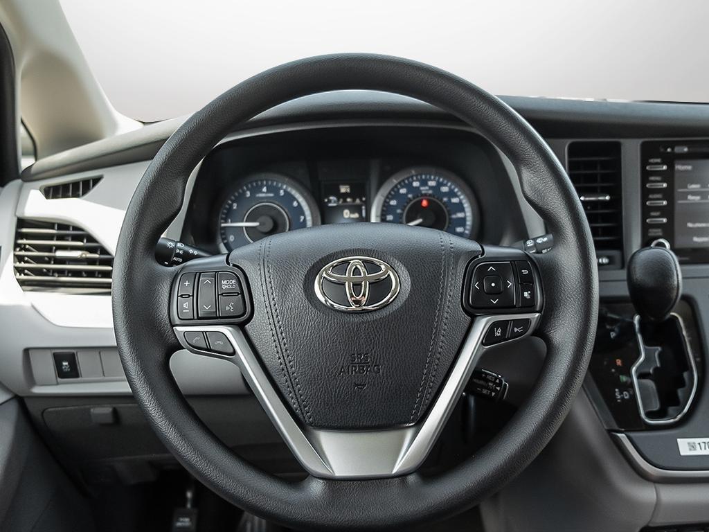 Toyota Sienna LE 8-Passenger V6 2020 à Verdun, Québec - 13 - w1024h768px