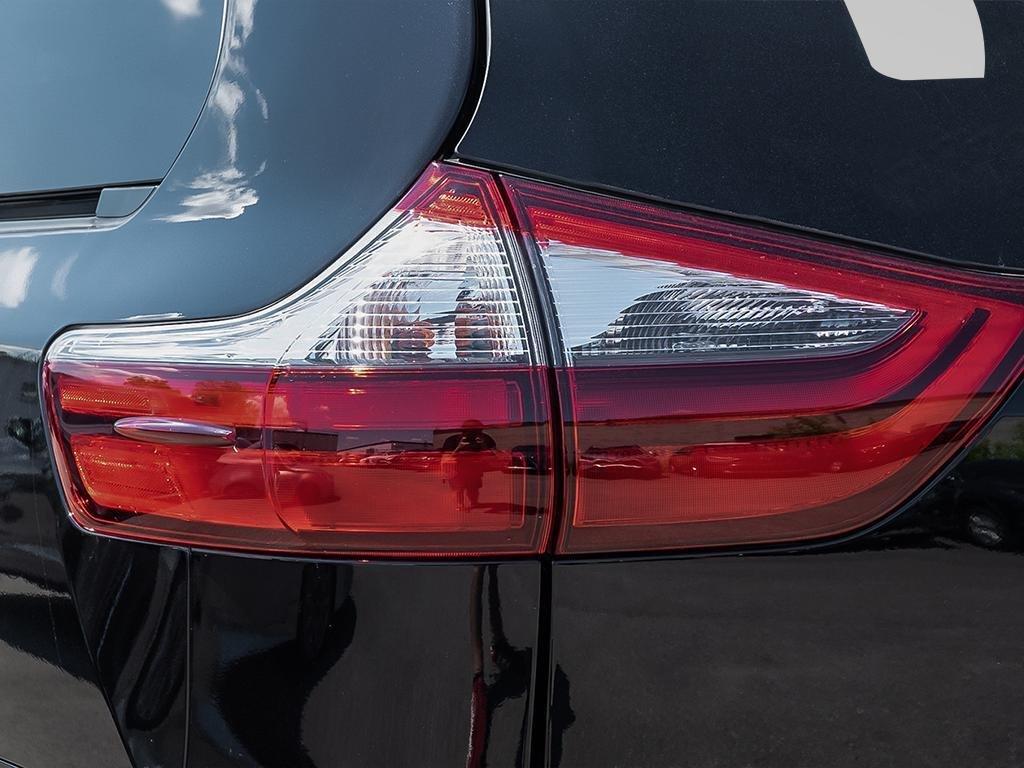 Toyota Sienna LE 8-Passenger V6 2020 à Verdun, Québec - 11 - w1024h768px