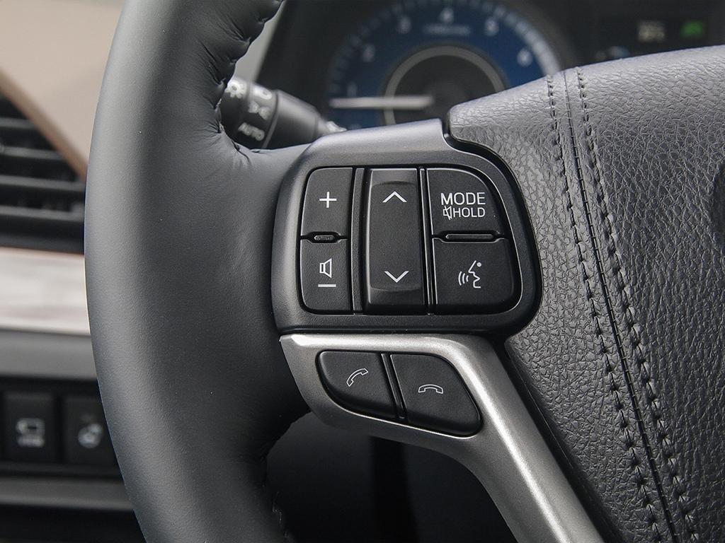 Toyota Sienna XLE AWD 7-Passenger V6 2020 à Verdun, Québec - 15 - w1024h768px