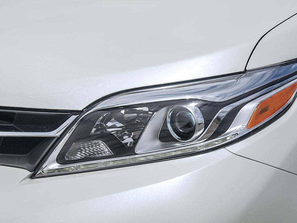 Toyota Sienna XLE AWD 7-Passenger V6 2020 à Verdun, Québec - 10 - w1024h768px