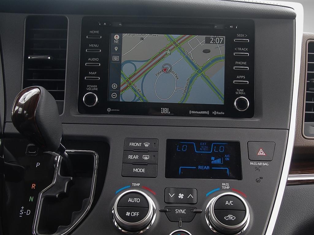 Toyota Sienna XLE AWD 7-Passenger V6 2020 à Verdun, Québec - 17 - w1024h768px