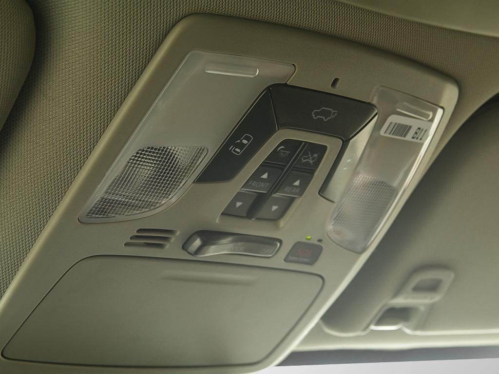 Toyota Sienna XLE AWD 7-Passenger V6 2020 à Verdun, Québec - 19 - w1024h768px