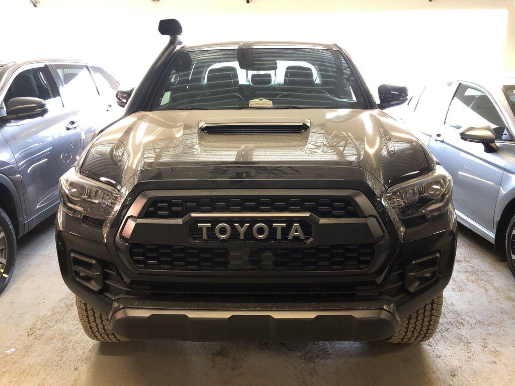 Toyota Tacoma 4x4 Double Cab V6 TRD Off-Road 6A 2019 à Verdun, Québec - 2 - w1024h768px