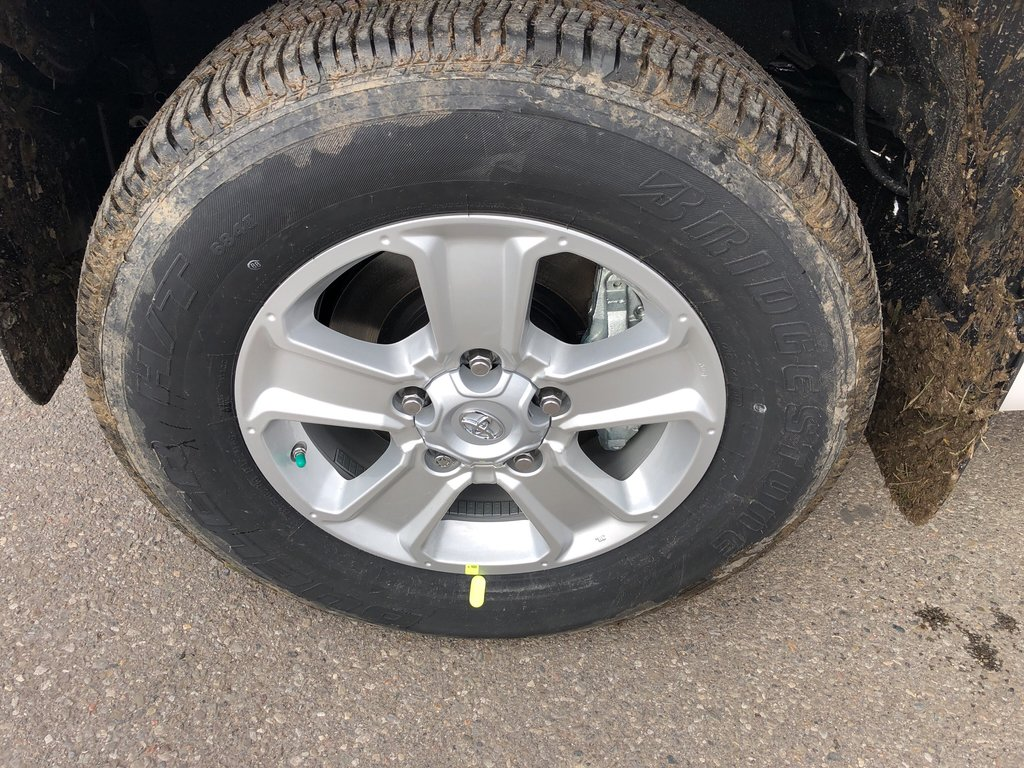 2019 Toyota Tundra SR5 Plus in Bolton, Ontario - 9 - w1024h768px