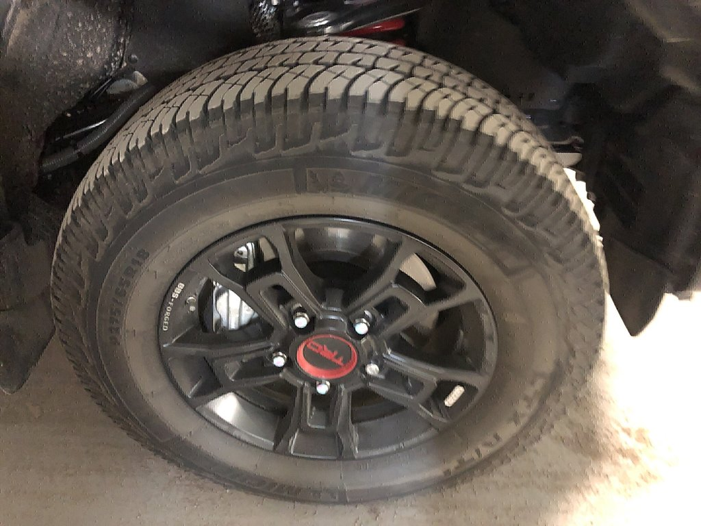 Toyota Tundra 4x4 Dbl Cab SR5 Plus 5.7 6A 2019 à Verdun, Québec - 3 - w1024h768px