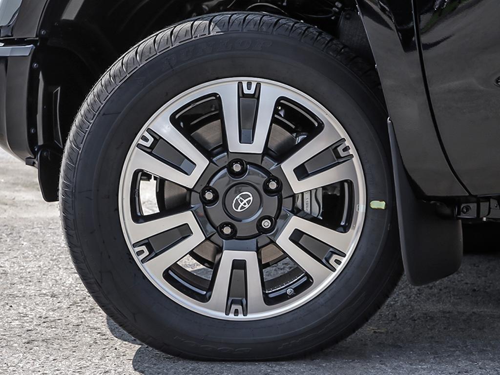 Toyota Tundra 4x4 CrewMax SR5 Plus 5.7 6A 2019 à Verdun, Québec - 8 - w1024h768px