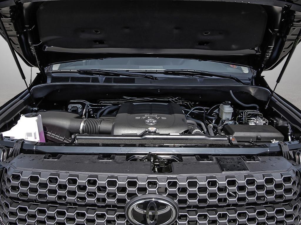 Toyota Tundra 4x4 CrewMax SR5 Plus 5.7 6A 2019 à Verdun, Québec - 6 - w1024h768px