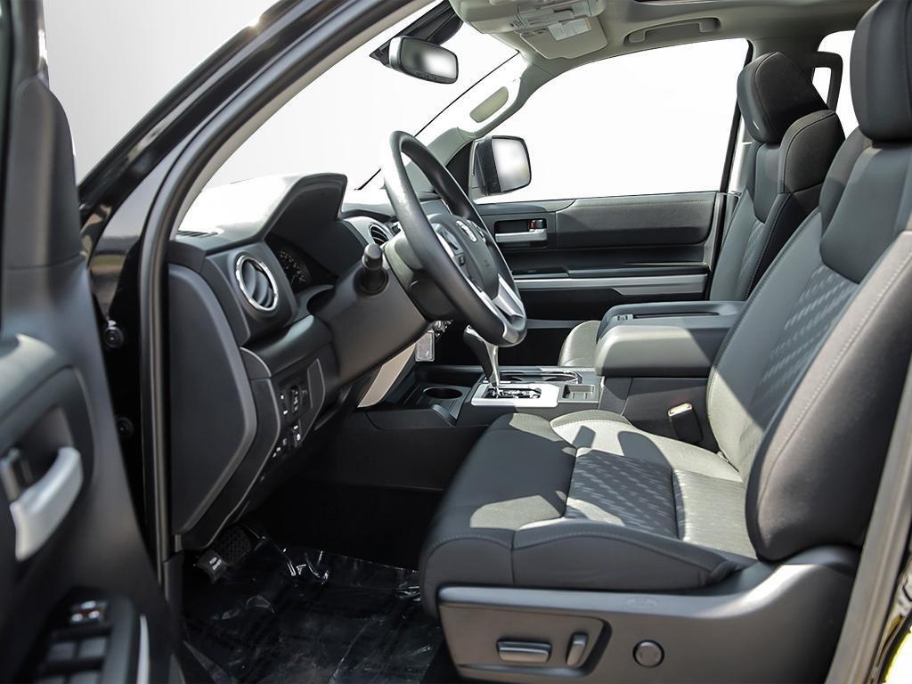 Toyota Tundra 4x4 CrewMax SR5 Plus 5.7 6A 2019 à Verdun, Québec - 12 - w1024h768px