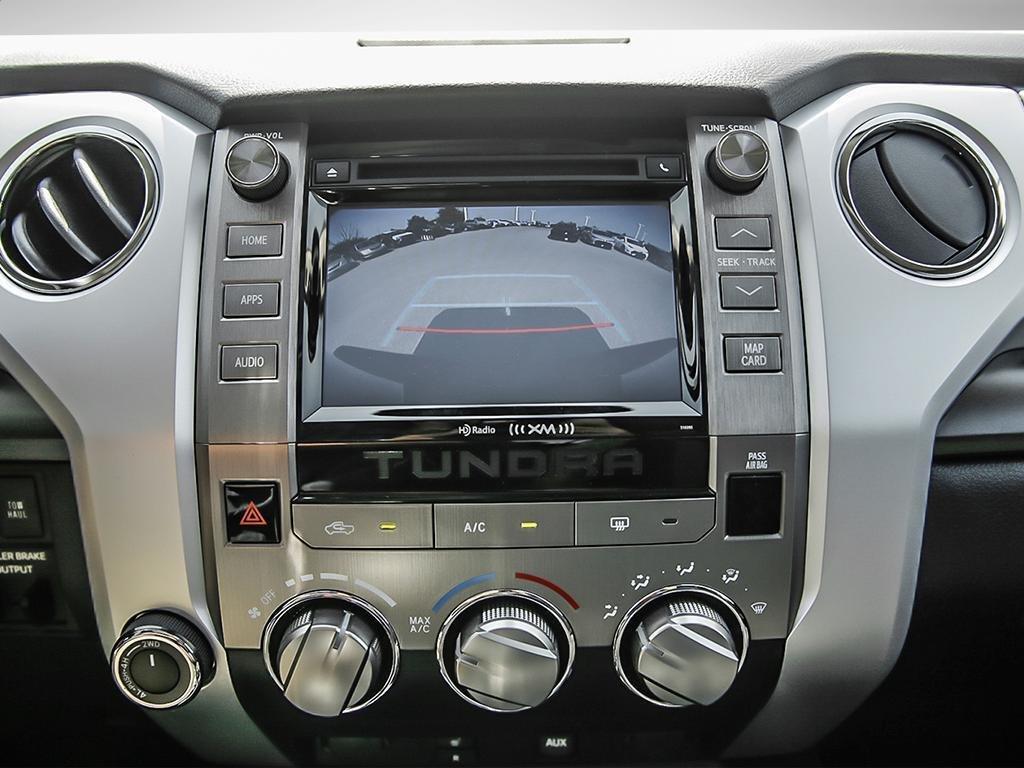 Toyota Tundra 4x4 CrewMax SR5 Plus 5.7 6A 2019 à Verdun, Québec - 18 - w1024h768px
