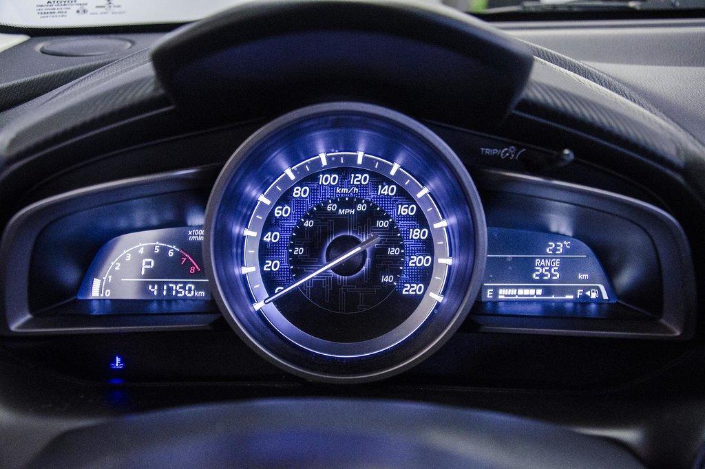 2017 Toyota Yaris 4-Door Sedan 6AT in Verdun, Quebec - 20 - w1024h768px