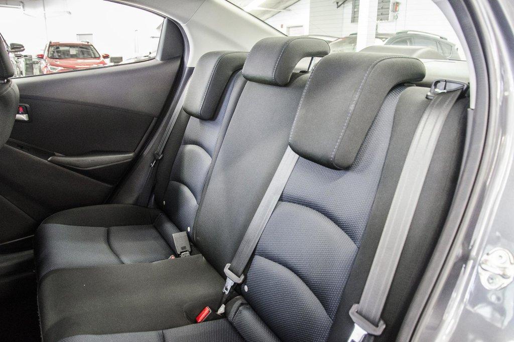 2017 Toyota Yaris 4-Door Sedan 6AT in Verdun, Quebec - 29 - w1024h768px