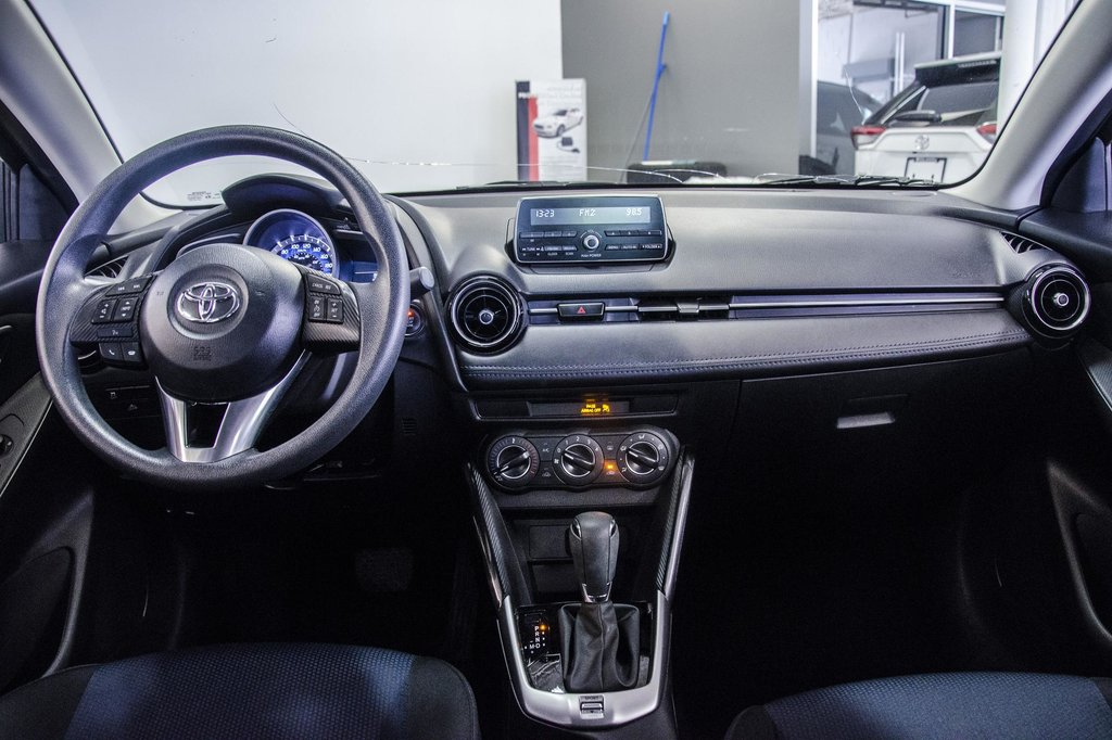2017 Toyota Yaris 4-Door Sedan 6AT in Verdun, Quebec - 24 - w1024h768px