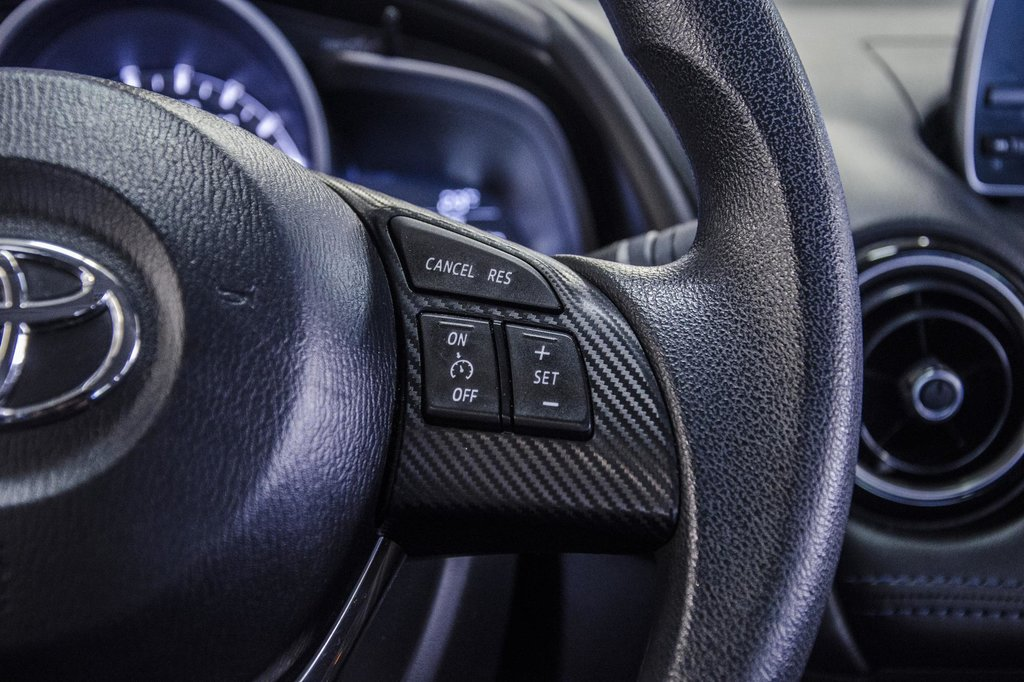 2017 Toyota Yaris 4-Door Sedan 6AT in Verdun, Quebec - 19 - w1024h768px
