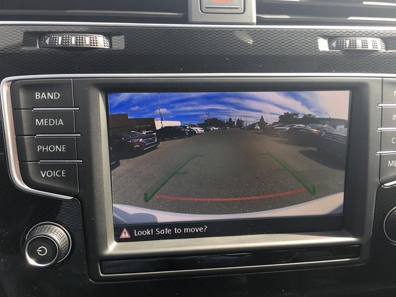 2017 Volkswagen Golf GTI 5-Dr 2.0T Autobahn 6sp in Regina, Saskatchewan - 13 - w1024h768px