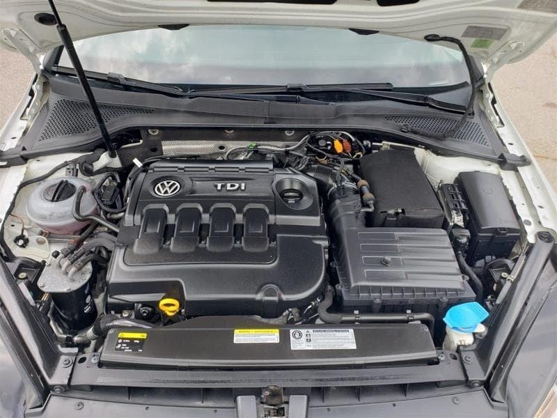 2015 Volkswagen Golf 5-Dr 2.0 TDI Trendline DSG at Tip in Mississauga, Ontario - 32 - w1024h768px