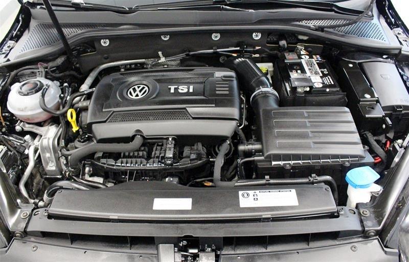 2018 Volkswagen Golf 5-Dr 1.8T Trendline 6sp at w/Tip in Regina, Saskatchewan - 17 - w1024h768px