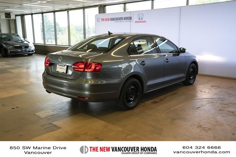 2012 Volkswagen Jetta Highline 2.5 6sp at w/Tip in Vancouver, British Columbia - 4 - w1024h768px