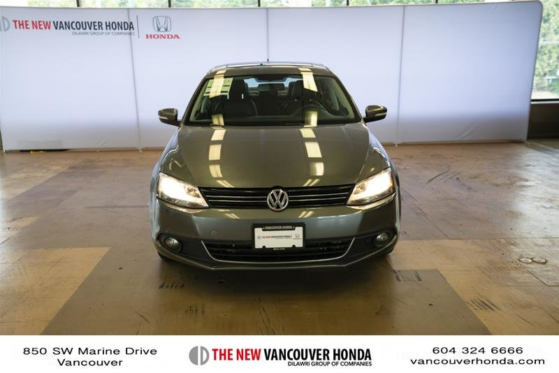 2012 Volkswagen Jetta Highline 2.5 6sp at w/Tip in Vancouver, British Columbia - 2 - w1024h768px