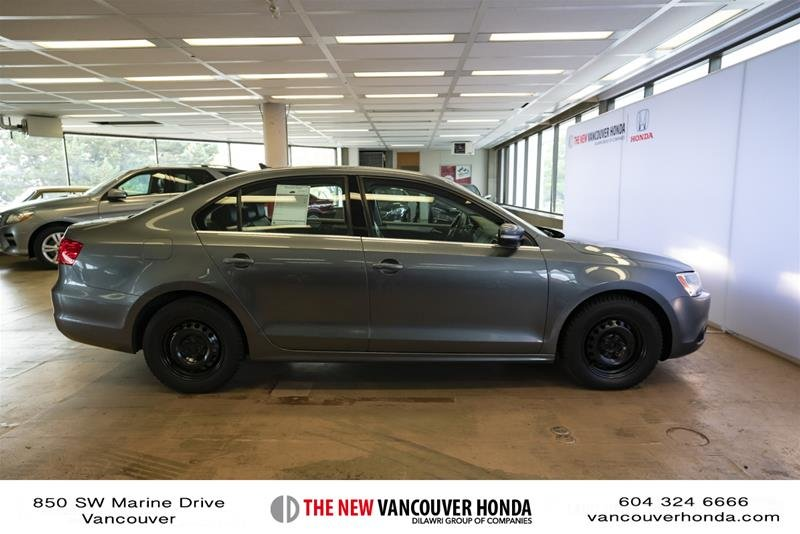 2012 Volkswagen Jetta Highline 2.5 6sp at w/Tip in Vancouver, British Columbia - 5 - w1024h768px