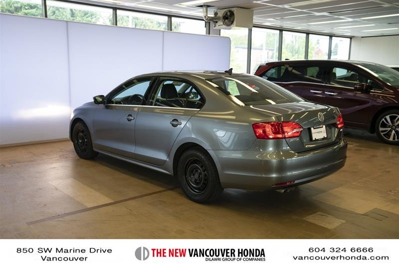 2012 Volkswagen Jetta Highline 2.5 6sp at w/Tip in Vancouver, British Columbia - 7 - w1024h768px