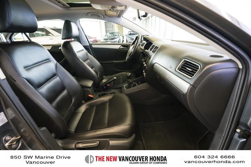 2012 Volkswagen Jetta Highline 2.5 6sp at w/Tip in Vancouver, British Columbia - 16 - w1024h768px