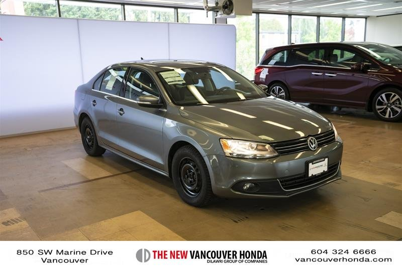 2012 Volkswagen Jetta Highline 2.5 6sp at w/Tip in Vancouver, British Columbia - 3 - w1024h768px