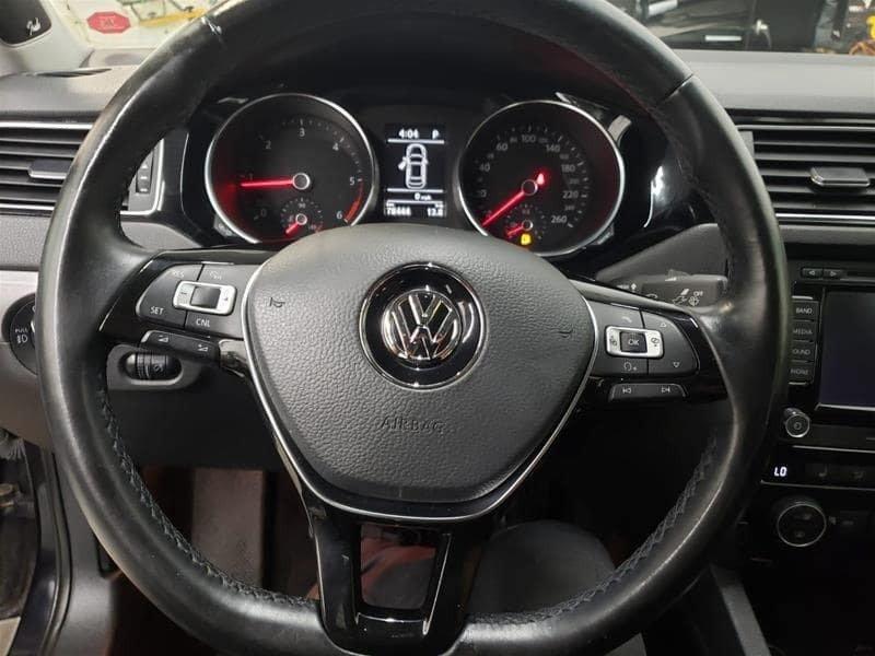 2015 Volkswagen Jetta Highline 2.0 TDI 6sp DSG at Tip in Mississauga, Ontario - 27 - w1024h768px