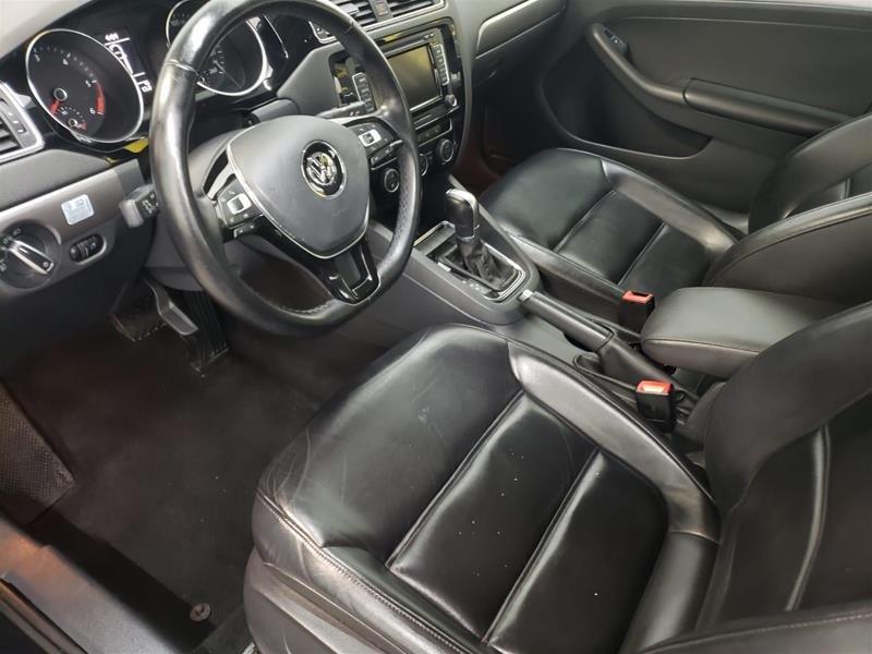 2015 Volkswagen Jetta Highline 2.0 TDI 6sp DSG at Tip in Mississauga, Ontario - 9 - w1024h768px