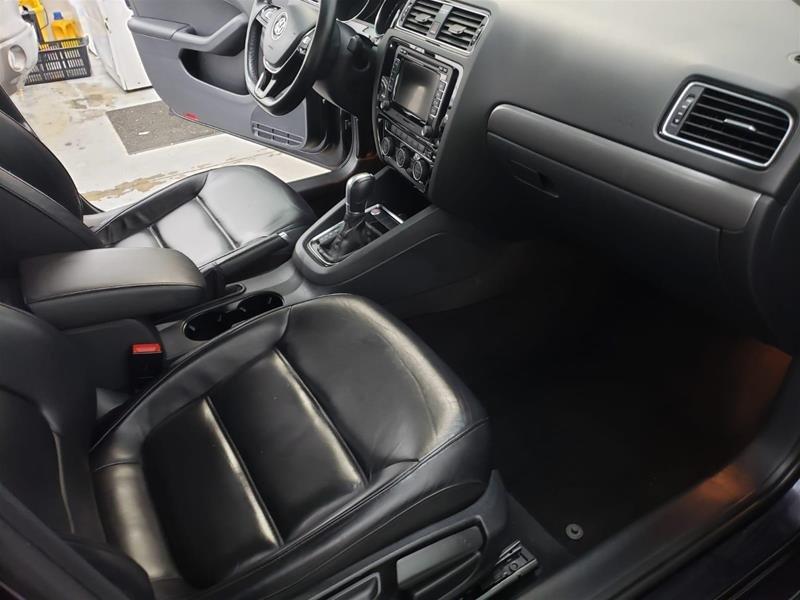 2015 Volkswagen Jetta Highline 2.0 TDI 6sp DSG at Tip in Mississauga, Ontario - 14 - w1024h768px