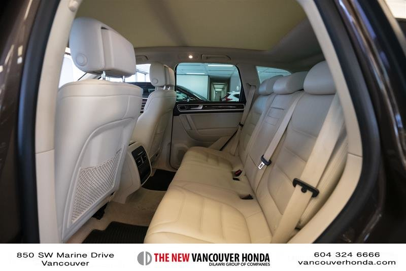 2014 Volkswagen Touareg Execline 3.0 TDI 8sp at Tip 4M in Vancouver, British Columbia - 12 - w1024h768px