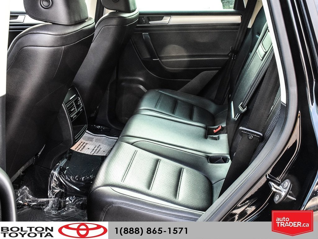 2016 Volkswagen Touareg Comfortline 3.6L 8sp at w/Tip 4M in Bolton, Ontario - 12 - w1024h768px