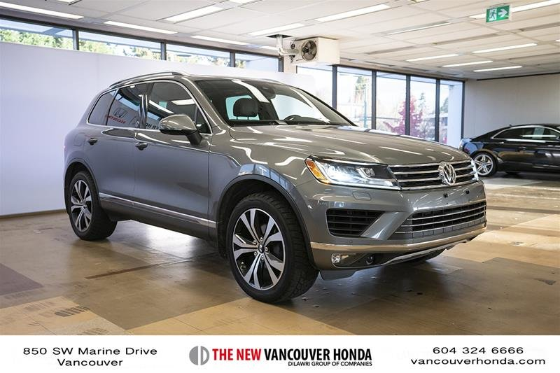 2017 Volkswagen Touareg Wolfsburg Edition 3.6L 8sp at w/Tip 4M in Vancouver, British Columbia - 4 - w1024h768px