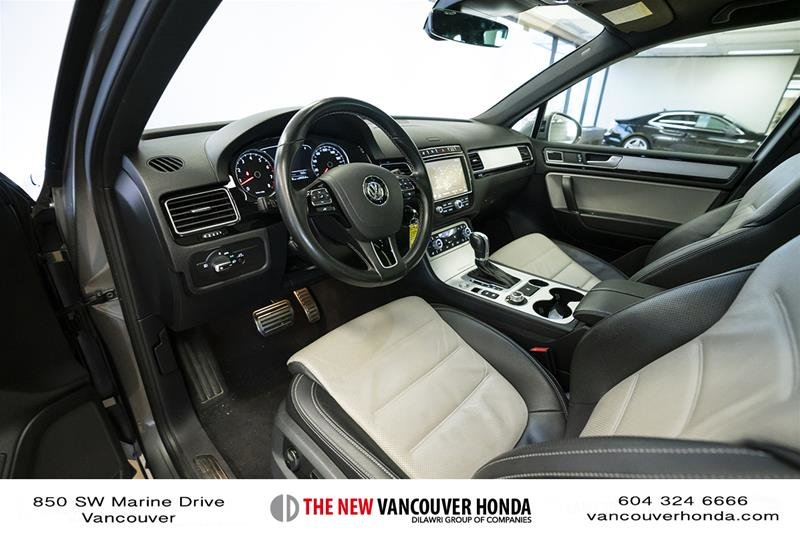 2017 Volkswagen Touareg Wolfsburg Edition 3.6L 8sp at w/Tip 4M in Vancouver, British Columbia - 12 - w1024h768px
