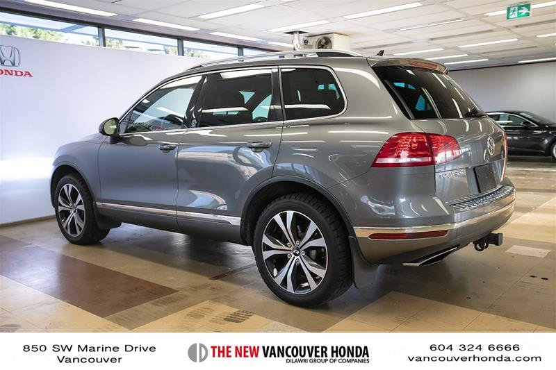 2017 Volkswagen Touareg Wolfsburg Edition 3.6L 8sp at w/Tip 4M in Vancouver, British Columbia - 8 - w1024h768px