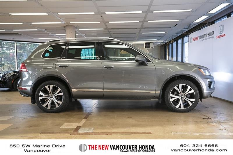 2017 Volkswagen Touareg Wolfsburg Edition 3.6L 8sp at w/Tip 4M in Vancouver, British Columbia - 5 - w1024h768px