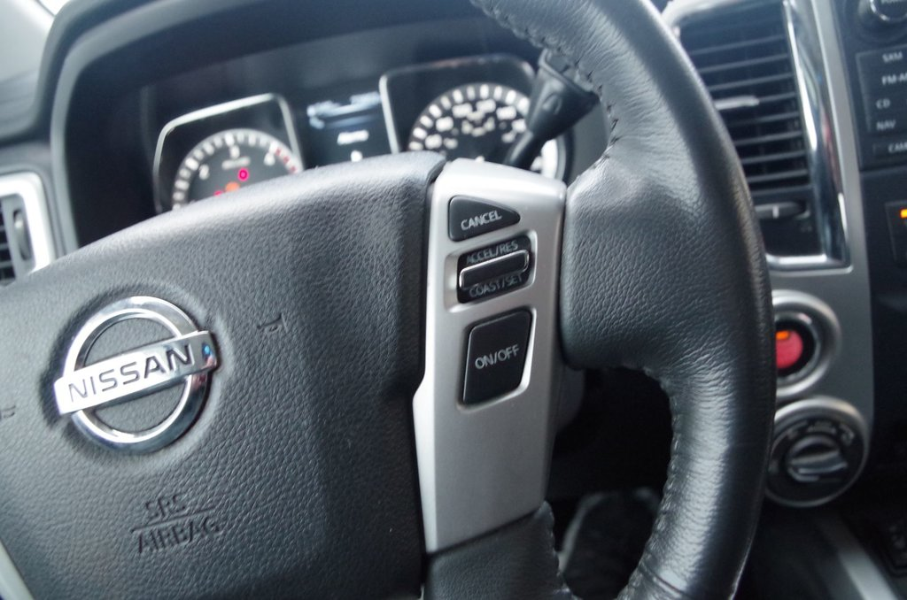 Nissan Titan XD DIESEL SV + ENS. PRIVILÈGE