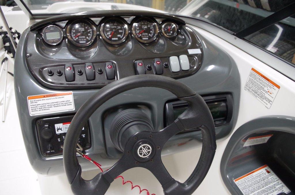 Yamaha AR210 Avec tour de wake + remorque incluse